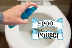 DIY Poo Pourri recipe. Just spray it in the bowl before you go and it blocks all the stink. Next (non) gag gift for the husband! Poo Pourri, Diy Cleaners, Cleaners Homemade, Household Cleaners, Limpieza Natural, Natural Cleaning Products, Household Products, Diy Products, Household Tips