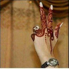 10 Beautiful Mehndi Designs For Rakshabandhan Finger Henna Designs, Arabic Henna Designs, Mehndi Designs For Girls, Unique Mehndi Designs, Mehndi Designs For Fingers, Beautiful Mehndi Design, Henna Tattoo Designs, Tattoo Ideas, Mehendi