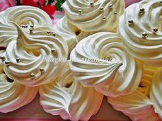 35 pc kemenyito A k. es pc osszekeverjuk kanalankent a habba Cake Decorating Techniques, Pavlova, Winter Food, Xmas, Christmas, Meringue, Macarons, Birthday Candles, Icing