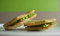 Biscuits aux pistaches et à la crème au thé vert
