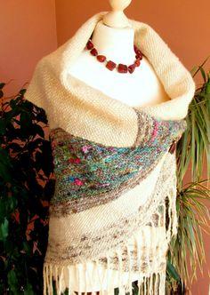 Large Handspun Handwoven Wrap ShawlCozy Wool by PastoralWool Inkle Loom, Loom Weaving, Hand Weaving, Weaving Textiles, Weaving Projects, Diy Clothing, Shawls And Wraps, Wool Yarn, Spinning