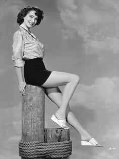 October is Julie Adams' birthday. She was born in Waterloo, Iowa. She struggled as a secretary, trying to make it in Hollywood. Classic Actresses, Classic Films, France Nuyen, Julie Adams, Angie Dickinson, Black Lagoon, Julie Andrews, Perfect Woman, Grace Kelly
