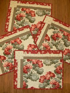 Geranium Quilted Placemat set of 4 by quiltedoccasions on Etsy, $40.00