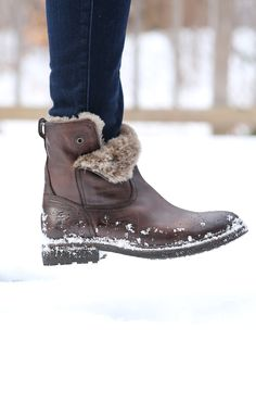 Mara Button Short Shearling Boots | The Frye Company