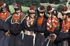 Asia: Kalasha People are an Aryan ethnic grouping in Hindukush mountians boarding Afghanistan-Pakistan. The Kalash inhabitants practice a polytheistic religion Kalash People, Costume Ethnique, Indus Valley Civilization, Amazing Gifs, Alexander The Great, Central Asia, People Of The World, People Photography, World Cultures