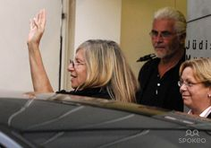 Barbra+Streisand+in+Public   Barbra Streisand and James Brolin leave the Jewish Museum and head for ...