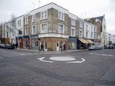 Liikenneympyrä Notting Hillissä.