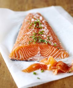 Graavilohi   Meillä kotona Seafood Recipes, Cooking Recipes, Healthy Recipes, Cooking Ideas, Finnish Cuisine, Finland Food, Finnish Recipes, Scandinavian Food, World Recipes