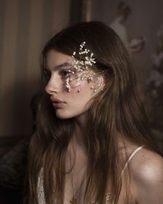 Find images and videos about diana silvers on We Heart It - the app to get lost in what you love. Character Aesthetic, Aesthetic Photo, Aesthetic Girl, Self Portrait Poses, Portraits, Sparkling Stars, Holly Black, Just Girl Things, Pretty People