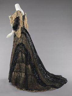Evening ensemble, Date: 1890–95 Culture: American Medium: silk' -- Want to wear this, so amazingly beautiful...