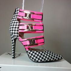 Pointy toe heels with black and white geometric print, pink bands with buckles #cutesyoriginals
