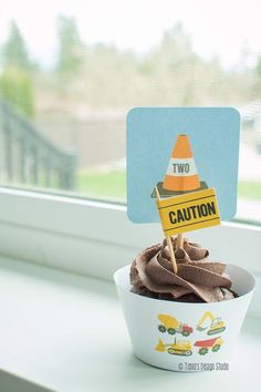 Cupcake from a Construction Birthday Party via Kara's Party Ideas! KarasPartyIdeas.com (3)