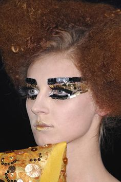 """This is it the final Pat McGrath Christian Dior post. Christian Dior Spring Ready to Wear 2007 I wonder if all the models and makeup artists are all, """"Thank f I won't walk out after. Dior Couture, Couture Fashion, Fashion Show, Galliano Dior, John Galliano, Christian Dior Makeup, Vogue, Fashion Magazine Cover, Spring Couture"""