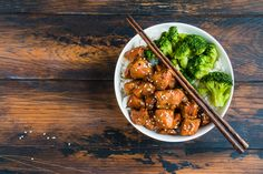 Quick Chicken Sesame Bowls Top Recipes, Asian Recipes, Cooking Recipes, Ethnic Recipes, Weeknight Meals, Quick Meals, Meal Prep Bowls, Chicken Seasoning, Kitchens