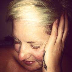 Sheers, love the placement Tattoo Life, I Tattoo, Scissors Tattoo, Hairstylist Tattoos, Vintage Tattoos, Peircings, Cosmetology, Body Art Tattoos, Tattoo Inspiration