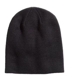 Hat in soft, double-layer knit fabric.