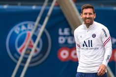Messi Psg, Messi And Neymar, Messi Fans, Messi Argentina, Lionel Messi Wallpapers, Lionel Messi Barcelona, Leonel Messi, Soccer Pictures, Transfer News