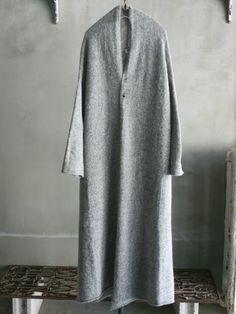 Long grey sweater jacket. Beautiful. アルパカタム縮絨ロングケープコート | Vlas Blomme | | AJP Onlineshop