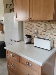 Toaster Oven On Quartz Countertop : 1000+ images about RV on Pinterest Honey oak cabinets, Oak cabinets ...