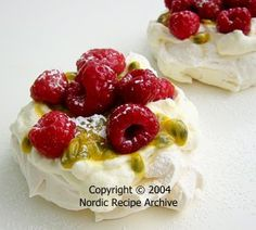 Raspberry mini pavlovas