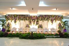 The Ultimate Wedding Beauty Checklist Javanese Wedding, Indonesian Wedding, Wedding Backdrop Design, Wedding Stage Decorations, Wedding Beauty, Dream Wedding, Wedding Background, Wedding Preparation, Indoor Wedding