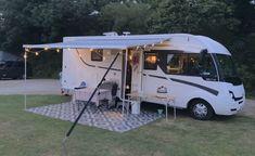 Drie jaar geleden, 2017 huurden we zelf voor de eerste maal een camper. Wij, een gezin van 5 met 3 dochters, (leeftijd 3, 7 en 9) huurden een Alkoof Rimor Katamarano... Camper, Recreational Vehicles, Italy, Caravan, Travel Trailers, Motorhome, Campers, Camper Shells, Single Wide