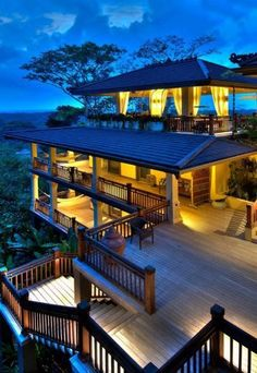 If I won the lottery.... I would rent out this villa for anyone who's had to work this Thanksgiving weekend. We would all do it right.... Turkey all week long in Costa Rica! Who's down?!