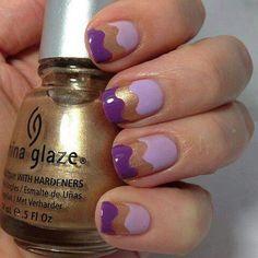 joli effet ondulé lila et doré, oui on a-dore chez Ciao #vernis #nail #nailart #ongles