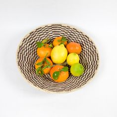A beautiful bread basket that can be enjoyed every day, as a basket for bread, fruit or nuts. Sisal, Serving Bowls, Palm, Spices, Basket, Desserts, Tableware, Check, Bread