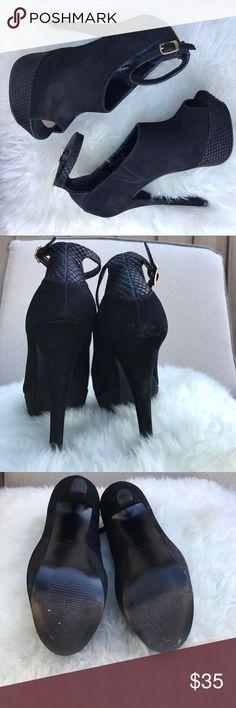Steve Madden Black Platform Open Toe Booties Steve Madden Black Platform Open Toe Booties! Suede & textured fabric! Made in Brazil. Steve Madden Shoes Platforms