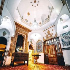 The Saint George Hotel is one of the most important Algerian hotels in Algeria inaugurated in 1889.the Saint - George Hotel is owned by the El Djazair Hotel chain . . Who knows this beautiful place ? . Copyright : Twitter . hashtag, use #tourismAlgeria ➖➖➖➖➖➖➖➖➖➖➖➖➖➖➖➖➖➖➖ #Algeria #adventure #africa #amazing #dz #tourism #tourismAlgeria #algerie #الجزائر #السياحة #dz #dzair #instatravel #Algiers #Oran #Constantine #grandmaghreb #capitale #saharadesert #sahara #desert #kabyle #oasis ...