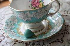 Blue teacup...reminds me of my great grandma and mom. Would love to incorporate into a tattoo!