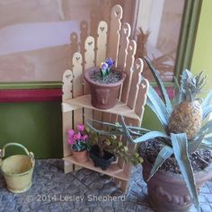 Recycle Stir Sticks Into Dollhouse Storage Make a Miniature Picket Fence Corner Shelf: Make a Miniature Corner Shelf Unit From … Popsicle Stick Crafts, Craft Stick Crafts, Crafts For Kids, Popsicle Sticks, Fairy Furniture, Barbie Furniture, Miniature Furniture, Dollhouse Furniture, Miniature Crafts