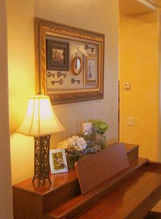 C.B.I.D. HOME DECOR and DESIGN: HOME DECOR: CREATING GALLERY WALLS FOR ART & PHOTOS.THE MORE i SEE THIS IDEA I REALLY LIKE IT