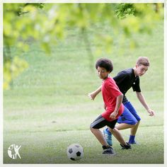 Find out what to feed your child athlete before, during AND after sports to give them the fuel they need to succeed.