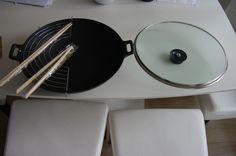 Service à wok. Avec accessoires. Tout l'électroménager des particuliers est à louer sur www.placedelaloc.com !