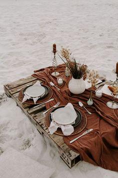 Picnic Date, Beach Picnic, Fall Picnic, Boho Wedding, Wedding Table, Wedding Picnic, Farm Wedding, Wedding Couples, Wedding Decor