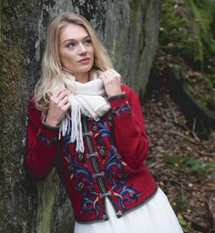 Jacket based on traditional folk dresses. Pretty Clothes, Pretty Outfits, Folklore, Irene, Norway, Hand Embroidery, Knitwear, Feminine, Turtle Neck