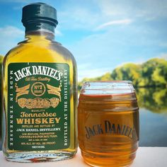 Tennessee Whiskey, Jack Daniels Whiskey, Distillery, Whisky, Bourbon, Whiskey Bottle, Shot Glass, Barrel, Food And Drink