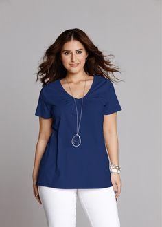 Blusa manga curta azul-escuro encomendar agora na loja on-line bonprix.de  R$ 37,90 a partir de Com leve franzido no decote V e fendas laterais. Comprimento ...