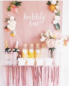 Who doesn't love having champagne for their event? Check out @avery for these adorable printables ☺️ http://gelinshop.com/ipost/1518197567976117197/?code=BURuKTyFBPN