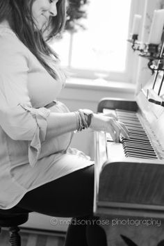 Madison Rose Photography Maternity Photographer #maternity #expecting #mom #momma #naturallightphotographer #photography #piano #lifestyle #photographer