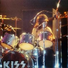 Eric Carr, Peter Criss, Kiss Pictures, Kiss Band, Hot Band, Drum Kits, Drums, Music Instruments, Nfl Football