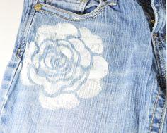 made by me diy do it yourself zelf maken jeans denim broek bloemen print stamp stempel verf floral trend spring summer lente zomer 2013