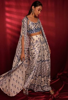 Indian Outfits Modern, Indian Designer Outfits, Dress Indian Style, Indian Fashion Dresses, Asian Fashion, Indian Attire, Indian Wear, Bride Indian, Indian Suits