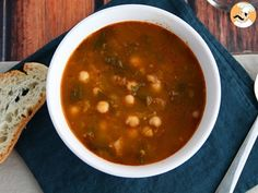 Get warm with this full dish soup, perfect for a cold winter day! - Recipe Main Dish : Chickpea and spinach soup by PetitChef_Official Stale Bread, Spinach Soup, Minced Onion, Chana Masala, Main Dishes, Vegetarian, Stuffed Peppers, Cooking, Ethnic Recipes