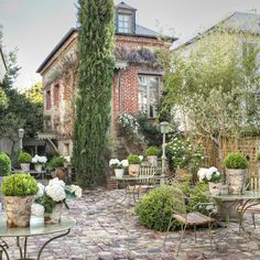 Perfect little courtyard in Honfleur, France...