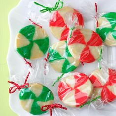 Peppermint Candy Cookies Recipe -Taking a cue from Star Mints, I created a buttery cookie with a holiday look. This one melts in your mouth faster than its candy cousin. Icebox Cookies, Spice Cookies, Candy Cookies, No Bake Cookies, Yummy Cookies, Cookie Bars, Sugar Cookies, Cookie Dough, Christmas Snacks