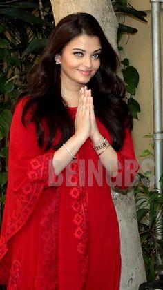 Aishwarya Rai Young, Aishwarya Rai Photo, Aishwarya Rai Bachchan, Indian Movies, Beautiful Bollywood Actress, Beauty Queens, Most Beautiful Women, Indian Beauty, Indian Actresses