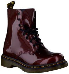 Burgundy Dr. Martens Ankle Boots http://www.omoda.nl/dr-martens/
